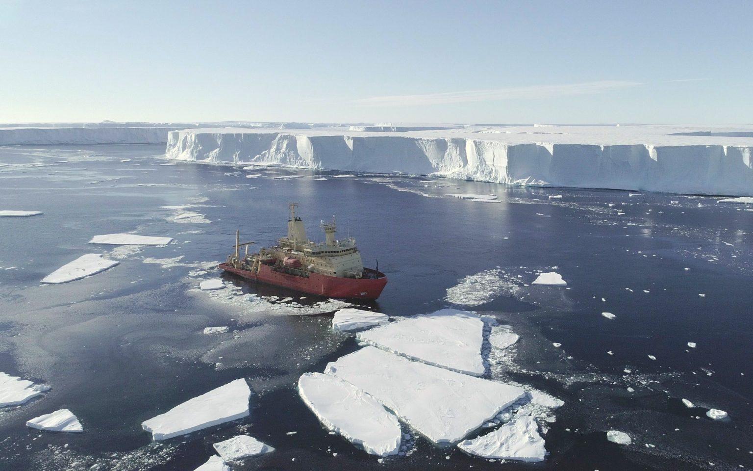 Glasier Di Antartika